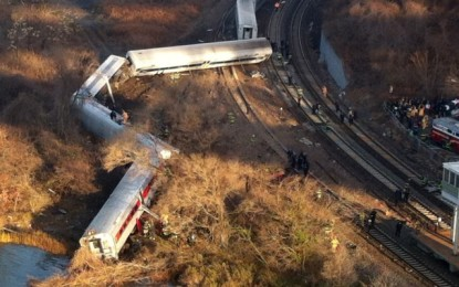 Train derailment in New York City: images by AlJazeera TV